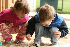 kids-in-sandbox